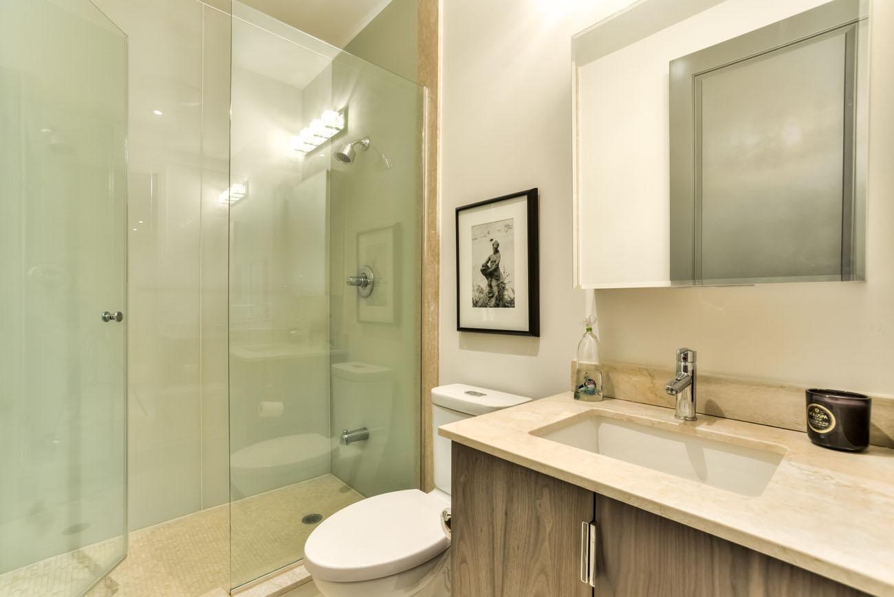 Roxborough-Design-21Balumto-Yorkville19